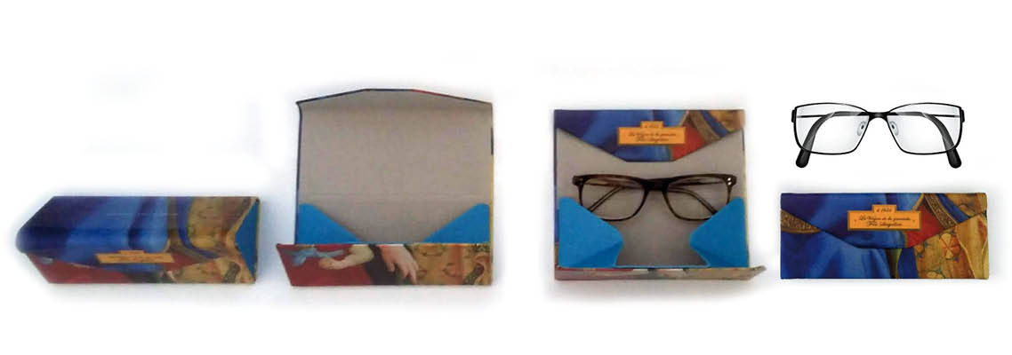Foldable eyeglass case